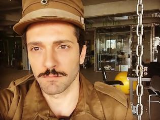 Φωτογραφία για Δημήτρης Μοθωναίος: Ο πρωταγωνιστής της ΖΩΗΣ ΕΝ ΤΑΦΩ αποκαλύπτει για τον ρόλο του...