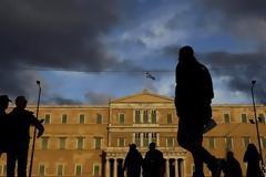 ΣΕΒ: Ο μέσος Έλληνας χρωστά 29.700 ευρώ στους δανειστές - Δύο φορές το εισόδημά του!