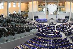 Η βουλή της Γερμανίας ενέκρινε νόμο που επιτρέπει σε γιατρούς τη διαφήμιση υπηρεσιών άμβλωσης