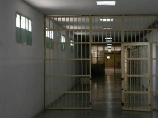 Φωτογραφία για Απέδρασε κρατούμενος από τις φυλακές Κασσάνδρας