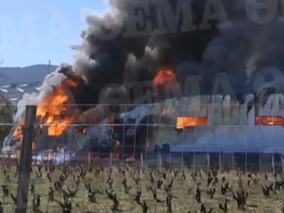 Φωτογραφία για Μεγάλη φωτιά σε αποθήκη στα Γλυκά Νερά
