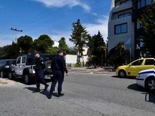 Φωτογραφία για Τραγωδία στο Ελληνικό: Νεκρός ο απόστρατος και η σύντροφός του