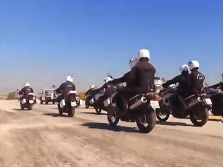 Φωτογραφία για Βίντεο από την προετοιμασία της Άμεσης Δράσης για την παρέλαση τής Δευτέρας