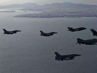 Φωτογραφία για «Παρέλυσαν» οι Τούρκοι: Αμερικανικά και ελληνικά F-16 «χτύπησαν» το Καστελόριζο