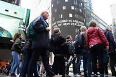 Ο ιδρυτής του μεγαλύτερου hedge fund προειδοποιεί: