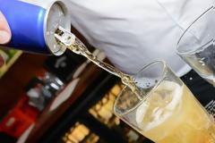 Έπινε δέκα «ενεργειακά ποτά» την ημέρα και δείτε πώς έγινε