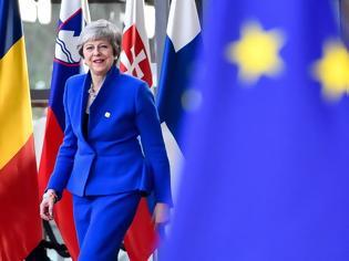 Φωτογραφία για Αναγγελία θανάτου της... «Δημοκρατίας στο Ηνωμένο Βασίλειο» δημοσίευσαν οι Times!