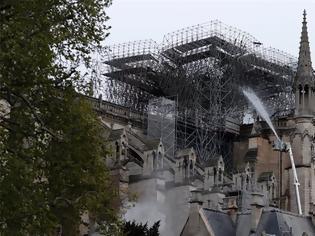 Φωτογραφία για Παναγία των Παρισίων: 300 εκατ. ευρώ έχουν δωρίσει μέχρι στιγμής δύο πάμπλουτες οικογένειες της Γαλλίας