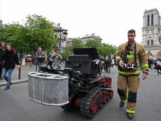 Φωτογραφία για Colossus: Το πυροσβεστικό ρομπότ που βοήθησε στην κατάσβεση της φωτιάς στην Παναγία των Παρισίων