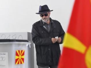 Φωτογραφία για Σκόπια: Έκλεισαν οι κάλπες - Χαμηλή η συμμετοχή