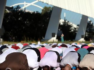 Φωτογραφία για Σε ΟΑΚΑ και ΣΕΦ η προσευχή των μουσουλμάνων για το Ραμαζάνι