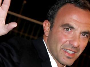 Φωτογραφία για Ο Νίκος Αλιάγας γίνεται 50 ετών και το γαλλικό «Closer» του κάνει αφιέρωμα
