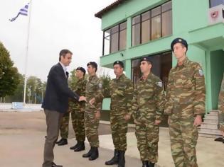 Φωτογραφία για Ο Κυριάκος Μητσοτάκης και οι χωρίς ''χακί'' ανακοινώσεις επίσκεψη του στην 1η Στρατιά