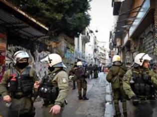 Φωτογραφία για Πηγαίνουν ή όχι οι αστυνομικοί στα Εξάρχεια; Ο λόγος στους αναγνώστες