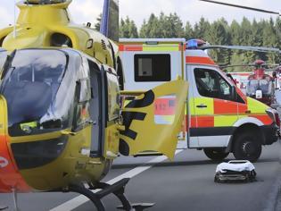 Φωτογραφία για Γερμανία: Τροχαίο με έναν νεκρό και 60 τραυματίες