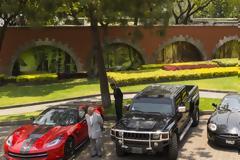 Στο «σφυρί» Lamborghini, Porsche, Mustang και πολυτελή σπίτια για τη στήριξη των φτωχών