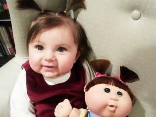 Φωτογραφία για Παιδιά τα οποία είναι ολόιδια με τις κούκλες τους!! (Φωτογραφίες)