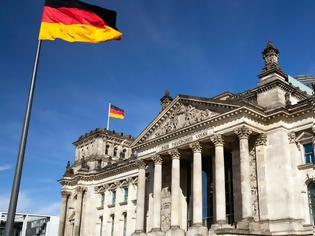 Φωτογραφία για Βερολίνο για τις πολεμικές αποζημιώσεις: Το θέμα έχει πολιτικά και νομικά κλείσει