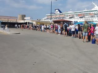 Φωτογραφία για Έλλειψη υποδομών στο τουριστικό λιμάνι Ρόδου - φωτος
