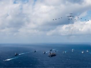 Φωτογραφία για Εσκεμμένη η παρολίγον σύγκρουση ρωσικού αντιτορπιλικού με αμερικανικό καταδρομικό;