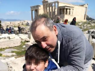 Φωτογραφία για «Ευχαριστώ όσους πήραν στα χέρια το παιδί μου για να δει την Ακρόπολη»