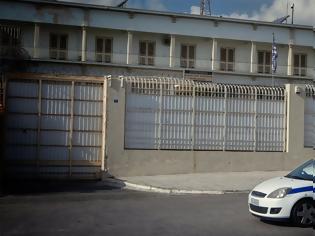 Φωτογραφία για Συναγερμός στις φυλακές Κορυδαλλού: Αιματηρή συμπλοκή μεταξύ κρατουμένων