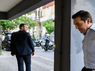 Φωτογραφία για «Εμφύλιος» στο ΣΥΡΙΖΑ – «Βράζει» ο Τσίπρας με τους «αντάρτες» που «έσπασαν» το εμπάργκο στο ΣΚΑΪ