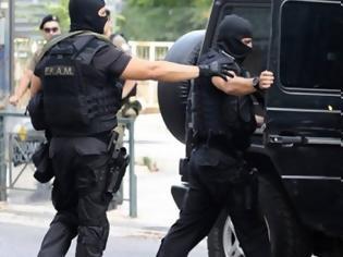 Φωτογραφία για Συνελήφθησαν στη Θεσσαλονίκη Κώστας Σακκάς και Γιάννης Δημητράκης μετά από απόπειρα ληστείας στο ΑΧΕΠΑ