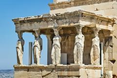 «Οι Έλληνες πήραν τον άνθρωπο και τον έστησαν στα πόδια του»