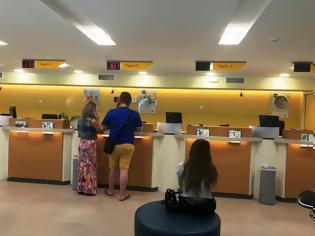 Φωτογραφία για Απίστευτη ταλαιπωρία στο κεντρικό κατάστημα της Εθνικής στη Ρόδο