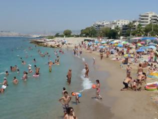 Φωτογραφία για Σημαντικό: Ακατάλληλες για κολύμβηση 47 παραλίες της Αττικής – «Κόπηκαν» οκτώ παραλίες που πήραν «Γαλάζια Σημαία»