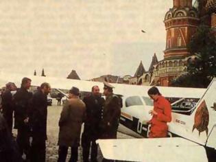Φωτογραφία για Ματίας Ρουστ: O 19χρονος Γερμανός που το 1987 προσγειώθηκε στην «κόκκινη πλατεία»