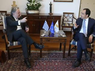 Φωτογραφία για Κατρούγκαλος και Χριστοδουλίδης ενημερώνουν τους ΥΠΕΞ της Ε.Ε. για την τουρκική στάση στην κυπριακή ΑΟΖ