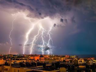 Φωτογραφία για «Ηλεκτρικές» καταιγίδες: Πάνω από 10.000 κεραυνοί έπεσαν σε 12 ώρες!