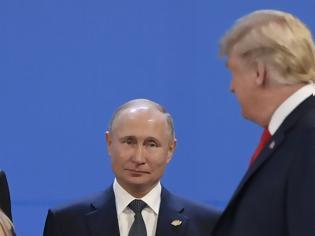 Φωτογραφία για «Σύντομη συνομιλία» και όχι συνάντηση Πούτιν - Τραμπ στην Ιαπωνία