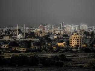 Φωτογραφία για Οι Τουρκοκύπριοι «ανοίγουν» την περίκλειστη πόλη της Αμμοχώστου