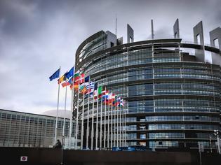 Φωτογραφία για Πόσα βγάζει ένας ευρωβουλευτής