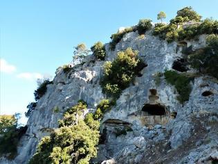 Φωτογραφία για Η σπηλιά «προσωπείο» του θεού Διόνυσου στα βουνά του Βάλτου! (φωτο)