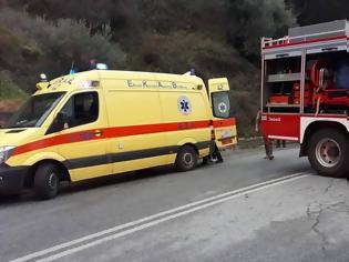 Φωτογραφία για Μετωπική σύγκρουση αυτοκινήτων με μια σοβαρά τραυματία
