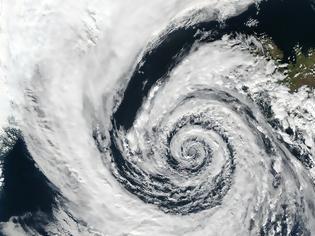 Φωτογραφία για Αλλάζει το κλίμα στην Ελλάδα; Τι λένε οι μετεωρολόγοι για τα έντονα καιρικά φαινόμενα