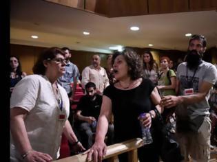 Φωτογραφία για Δίκη Χρυσής Αυγής: Κακιά στιγμή η δολοφονία Φύσσα - Η οργή της μάνας