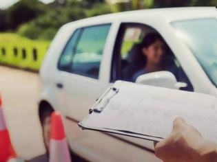 Φωτογραφία για Τραγωδία με 68χρονη υποψήφια οδηγό  - Σκότωσε με το αυτοκίνητο τον εξεταστή της