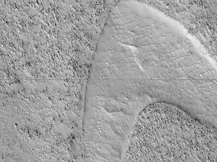 Φωτογραφία για Η NASA βρήκε το σύμβολο του στόλου του «Σταρ Τρεκ» στην «Ελλάδα» του Άρη!