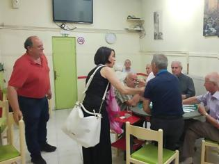 Φωτογραφία για Η  υπ. Βουλευτής της Νέας Δημοκρατίας Λαμπρινή Κόγιου- Χατζηζήση, στα Εμπορικά καταστήματα των Γρεβενών (εικόνες)