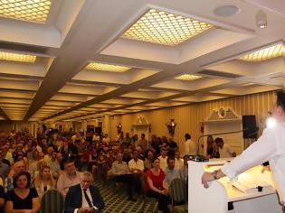 Φωτογραφία για Σε κατάμεστη αίθουσα η προεκλογική ομιλία του ΘΑΝΟΥ ΜΩΡΑΪΤΗ στους ετεροδημότες της Αθήνας -ΦΩΤΟ