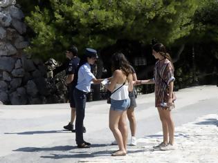 Φωτογραφία για Θύματα «τσαντάκηδων» πολλοί τουρίστες στη Λίνδο της Ρόδου – Εξοργισμένοι οι ξεναγοί