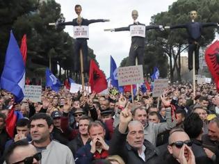 Φωτογραφία για Αλβανία: Νέα διαδήλωση της αντιπολίτευσης με αίτημα να παραιτηθεί ο Έντι Ράμα
