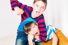 Bullying ανάμεσα στα αδέλφια; Και όμως υπάρχει