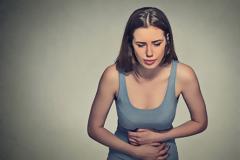 Πόνοι περιόδου: Ακαδημαϊκό εμπόδιο για το 41% των κοριτσιών