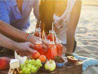 Φωτογραφία για Μην φας ΠΟΤΕ αυτές τις 7 τροφές πριν πας παραλία! Δες τι σου προκαλούν!